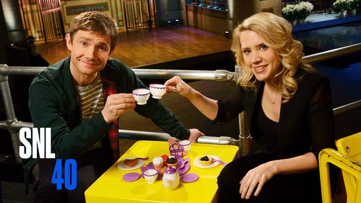 SNL Host Martin Freeman and Kate McKinnon Have A Tea Party