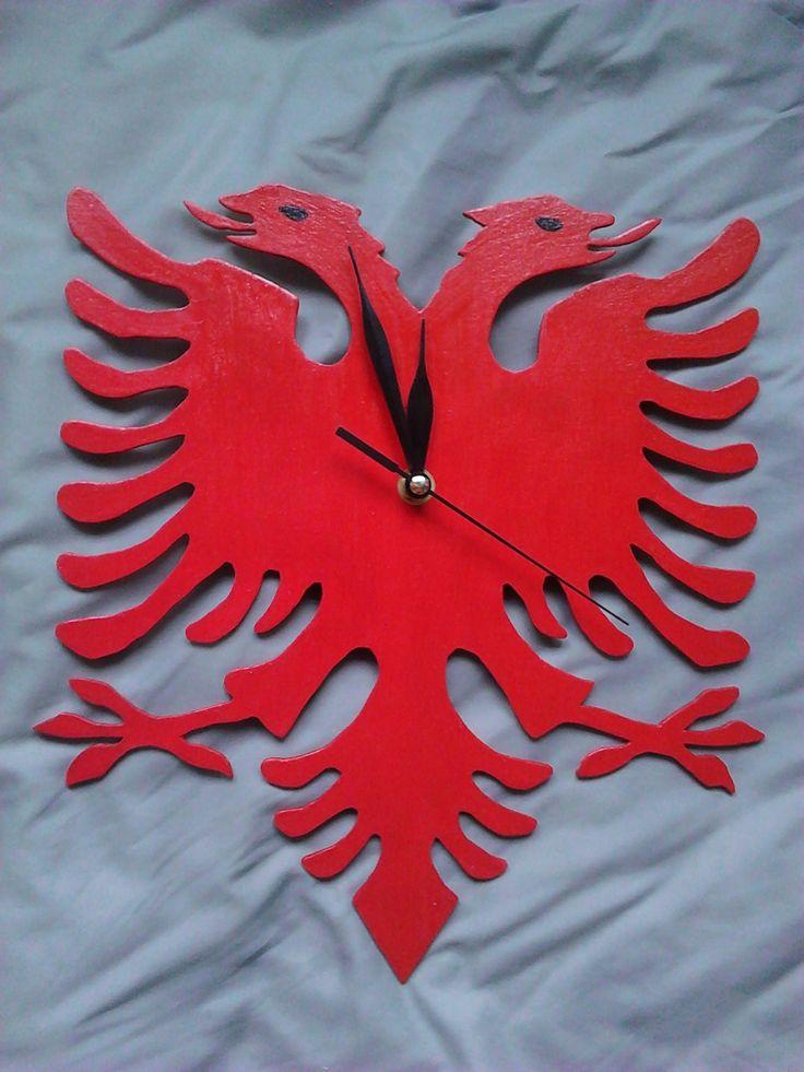 Dřevěné hodiny-orlice, barva červená