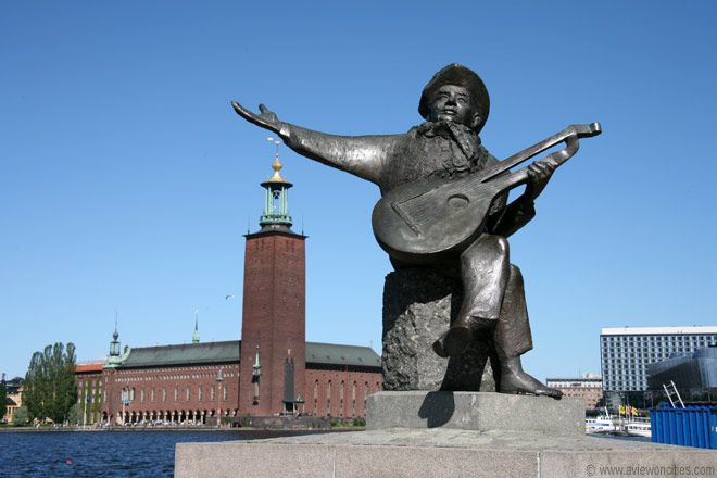 """Evert Taube Statue, Stockholm. This wonderful writer of folk type tunes, beloved of most Swedes. """" Papa come home for we long for you......."""