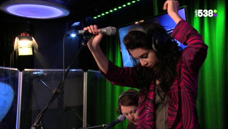 Charli XCX - Break The Rules (Live @ Ruuddewild.nl)