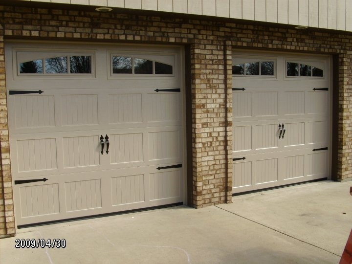 RMT 660 Carriage House Panel w/ 3 Pane Arched Glass Top; Sandstone Color w/ Decorative Hardware