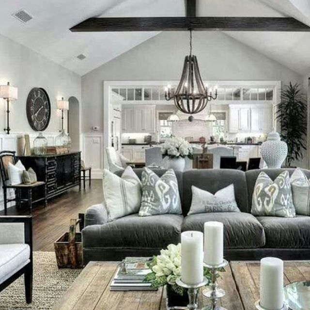 Love this living area from @lizmariegalvan #thesummerhousestyle
