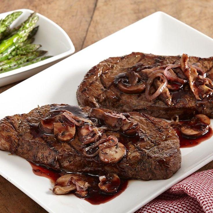 Simple red wine mushroom steak sauce