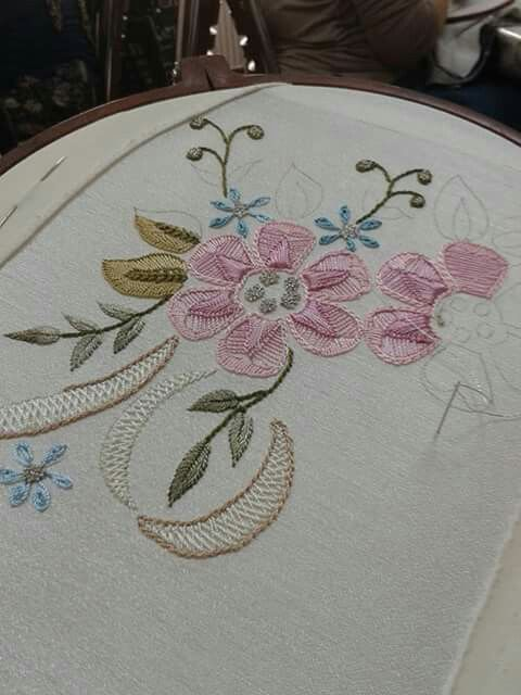 Brezilya  Lovely embroidery in progress