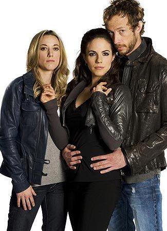 'Lost Girl' Season 3: Anna Silk's Bo knows relationship ...
