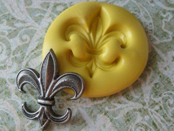 21 Best Images About Fleur De Lis Cake On Pinterest