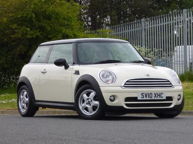 mini cooper white google car pinterest dream cars cars and chang 39 e 3. Black Bedroom Furniture Sets. Home Design Ideas