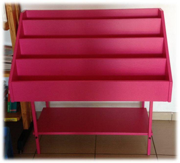 les 25 meilleures id es de la cat gorie pr sentoirs livres sur pinterest affichages de. Black Bedroom Furniture Sets. Home Design Ideas