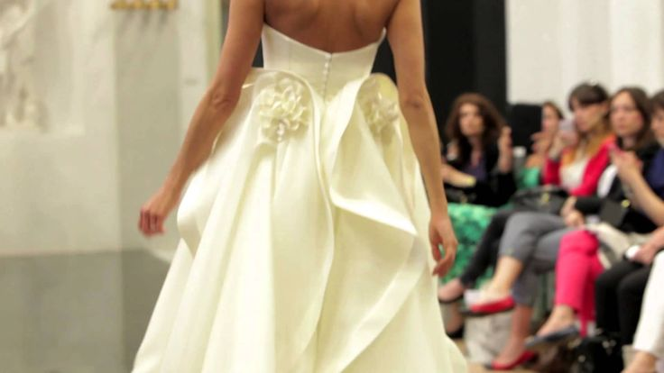 Elisabetta PolignanoFashion Show New Bridal Collections 2015 Fantastica!