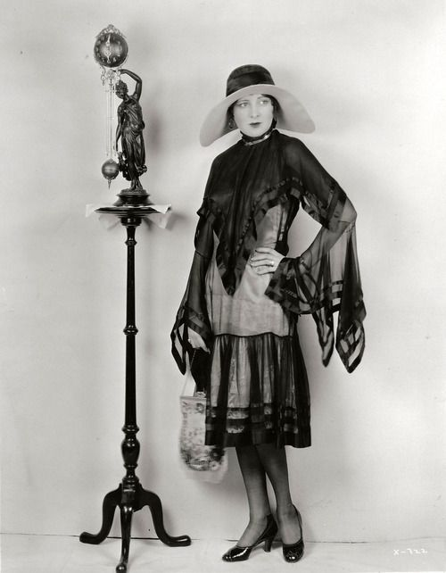 Billie Dove, 1920s, vintage, actress. | More on the myLusciousLife blog: www.mylusciouslife.com