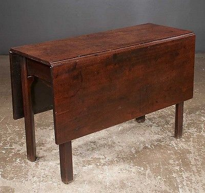 18th Century Chippendale Mahogany Drop Leaf Table On