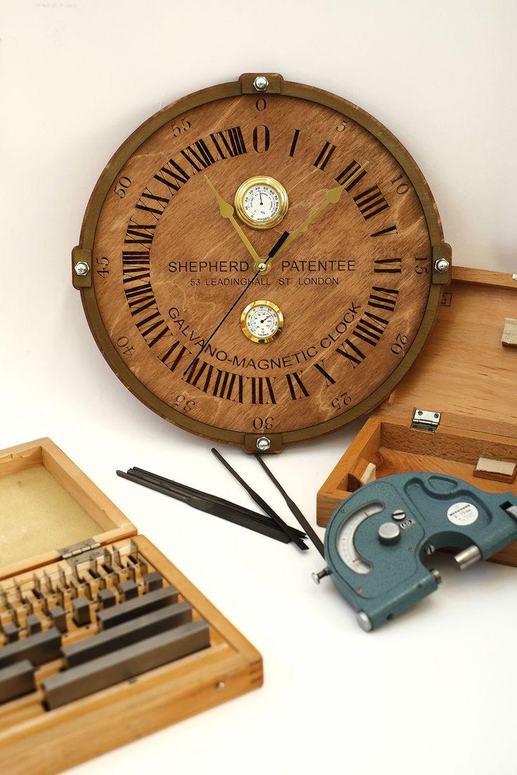 купить Часы Гринвич / Greenwich Wall clock  деревянные настенные часы ручной работы