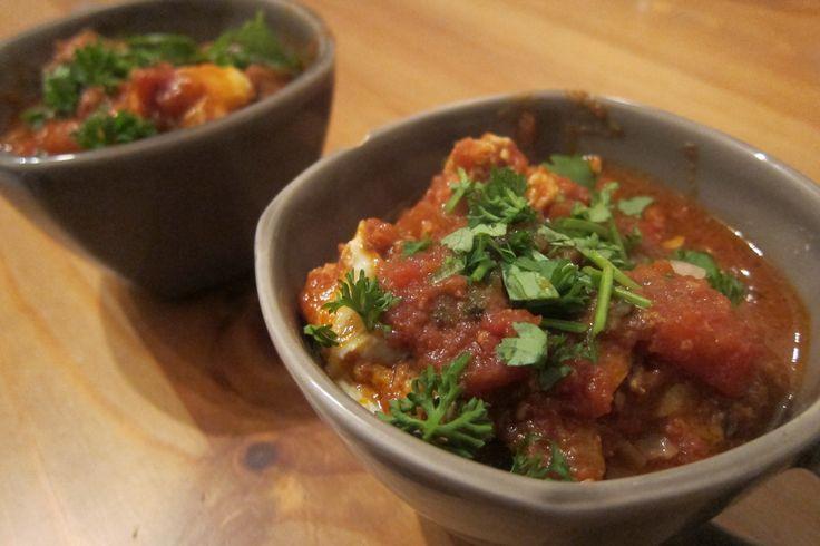 Recept voor kruidige Marokkaanse gehaktballetjes in tomatensaus. Helemaal paleo en niet ingewikkeld om te maken. Lees het hele recept hier.