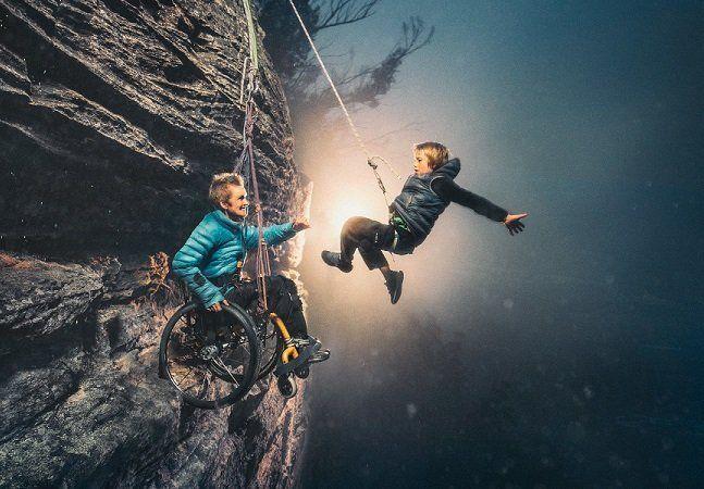 A vida de Sarah-Jane sempre foi repleta de aventuras. Ela costumava praticar escalada, pedalava pela Austrália, onde vive, e sua profissão era ensinar cordame. Ironicamente, foi uma cirurgia de rotina que acabou com estas aventuras e a deixou em uma cadeira de rodas. Graças ao fotógrafoBenjamin Von Wong em parceria com a fundadora do Heart Project, Karen Alsop,Sarah-Jane pode viver uma nova aventura ao lado de seu filho Hamish. O menino tinha apenas quatro anos quando a mãe se tornou…