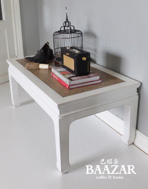 Vackert soffbord, I-262, från Baazar Coffee and Home. Hitta fler möbler på www.baazar.se    bord, soffbord,orientaliskt, vardagsrum, kina, baazar, litet, vitt, china…