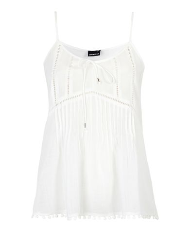 Cute woven tank with lace details in soft cotton | The Scandinavian It Girls | www.ginatricot.com | #ginatricot