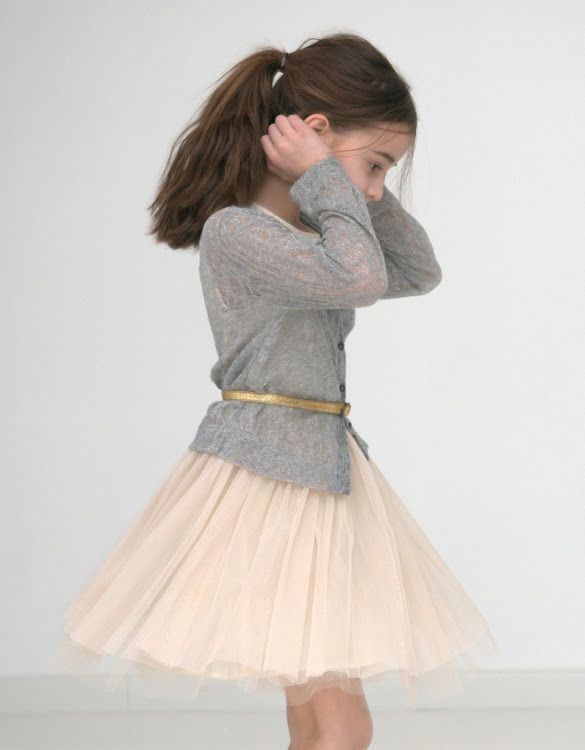 chiffon neutral skirt, gold belt, grey cardigan. Just a little bit bigger size…