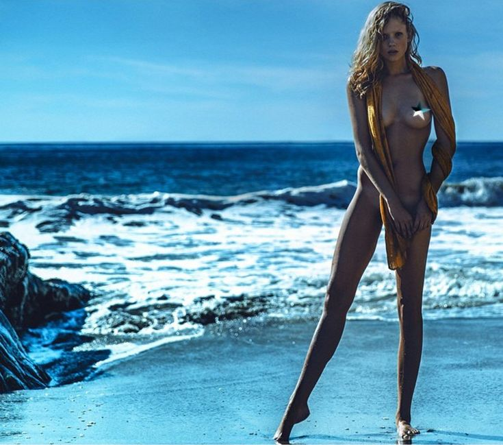 Celebrity nude and famous beach