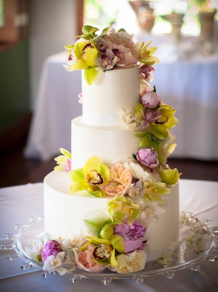 wedding cakes kauai hawaii wedding cake kauai wedding weddings amp events 24840