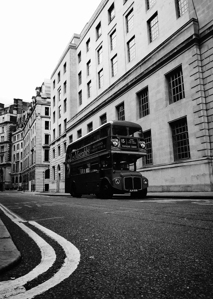 london by bus ancien bus anglais deux tages londres. Black Bedroom Furniture Sets. Home Design Ideas