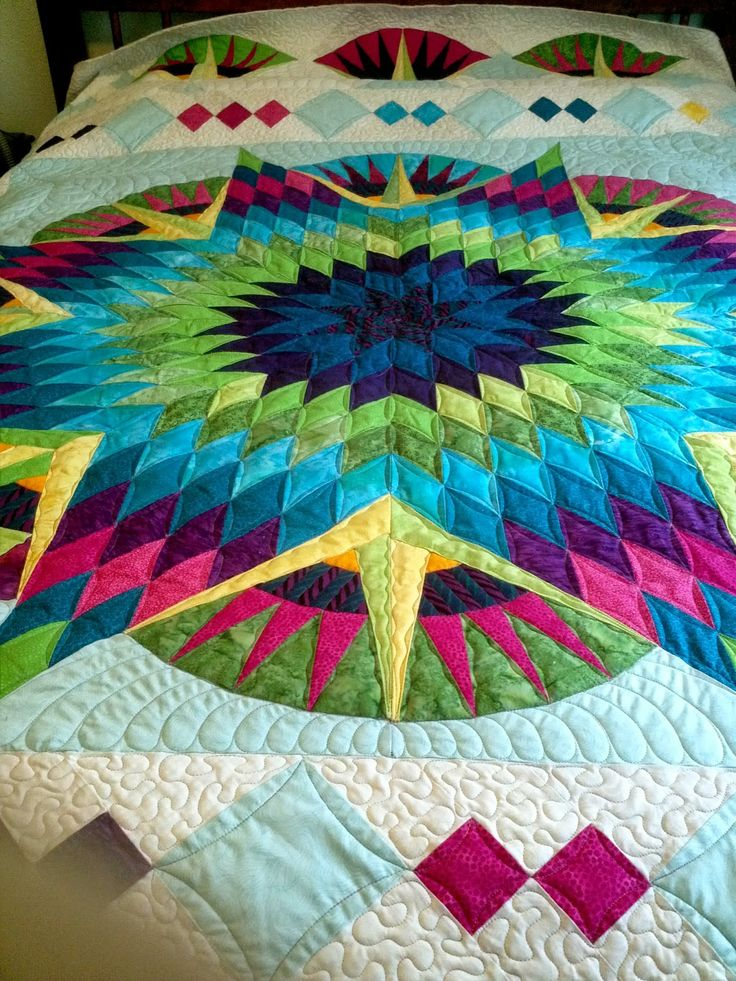 lone star meets mariner's compass quilt. SO beautiful! I would love to make this for the boat!!