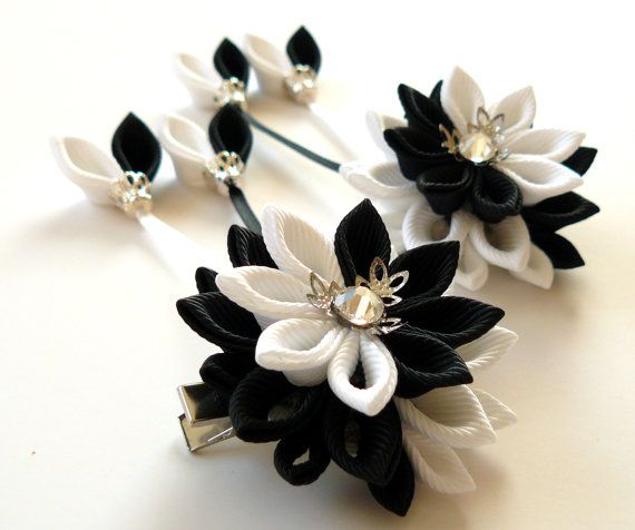 Kanzashi  Fabric Flowers. Set of 2 hair clips. Black and door JuLVa