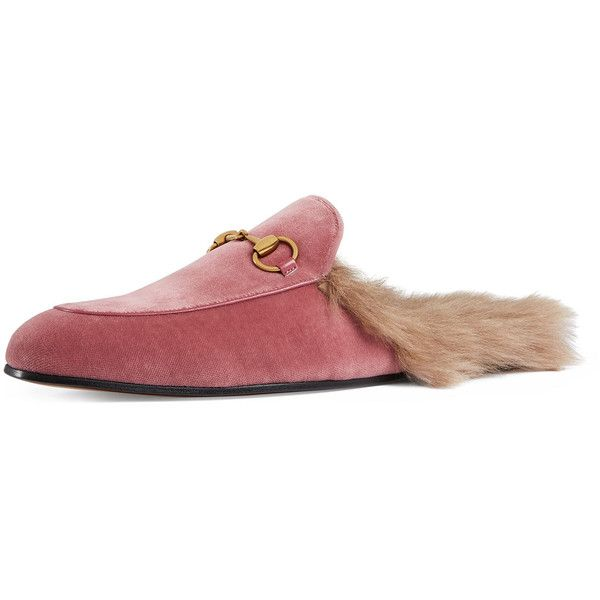 Gucci Princetown Velvet Fur-Lined Slipper (3.300 RON) ❤ liked on Polyvore featuring men's fashion, men's shoes, men's slippers, men's shoes slip ons, pink, mens pink shoes, mens slippers, mens fur lined shoes, mens slipon shoes and leather sole mens shoes