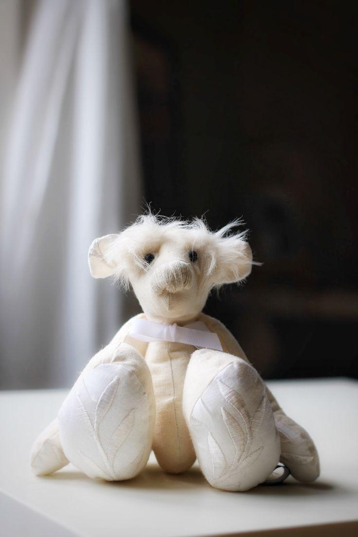 Hand made teddy bear ©julia zuzanna