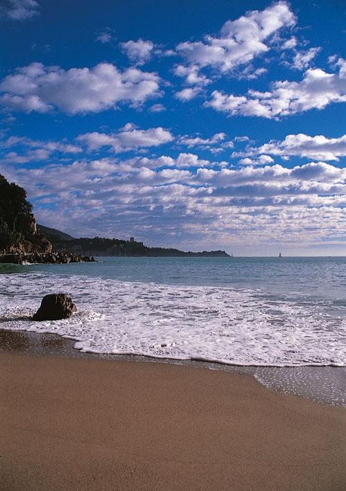 San Terenzo, Lerici, Liguria © Walter Bilotta #essenzadiriviera www.varaldocosmetica.it