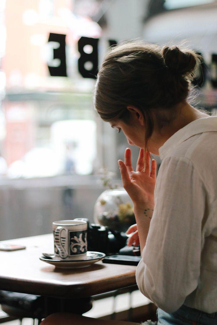 Café. Mucho café.