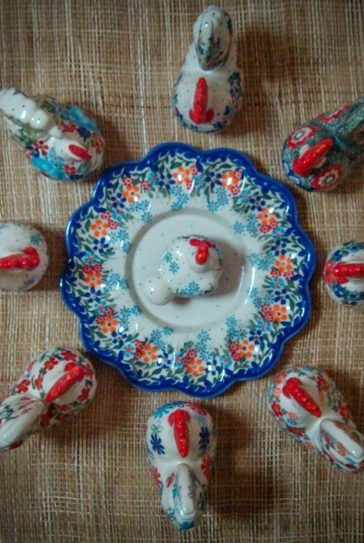 Пасхальные курочки. #polishpottery #pottery  #ceramics #boleslawiec #польскаякерамика #посударучнойработы #керамикаручнойработы #посуда ceramic | tableware | pottery | polish pottery | boleslawiec | посуда | керамическая посуда | польская керамика  | польская посуда | болеславская керамика | керамика