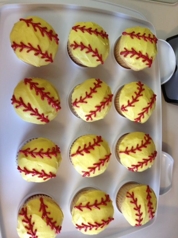 Softball cupcakes. @Kyrstyn Naylor Naylor Green make these for me.(: