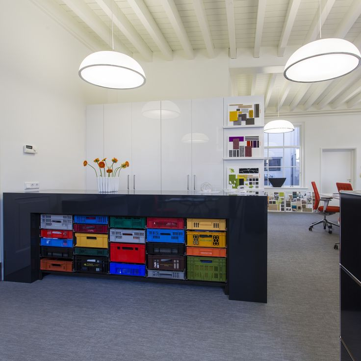 Office interior by Annekoos Littel Interior Architects BNI #interior #interieur #annekoos #annekooslittel #design #architecture