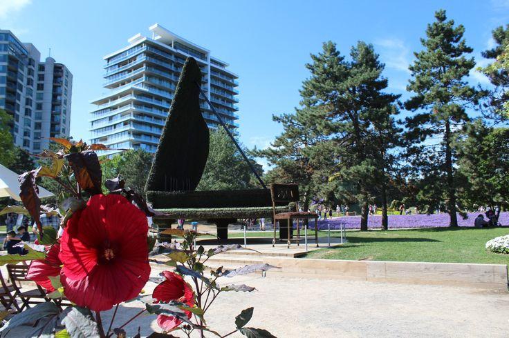 Piano aux Mosaicultures du Canada 150 au parc Jacques-Cartier à Gatineau