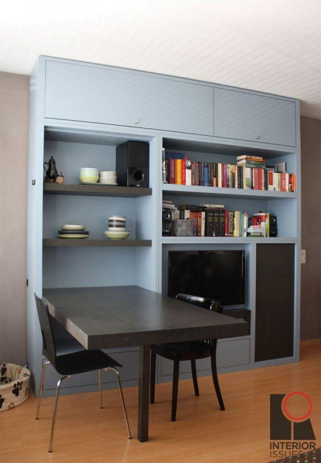 Wandkast met opklapbare tafel, opbergvakken, televisie en krijtbord. Kijk op Walhalla.com voor meer interieur-inspiratie!