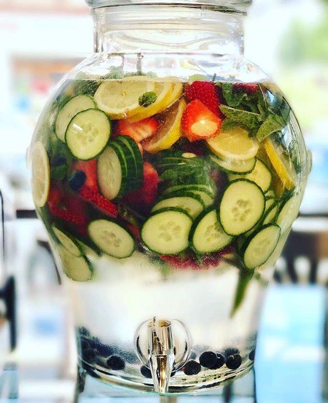 #Detoxwater #healthy #fresh #mint #strawberry #cucumber #lemon #delicious #Frankfurt #Nordend #Im_Glueck #coffeeshop #069 #tasty