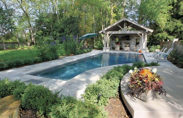 like the pool and the gazebo