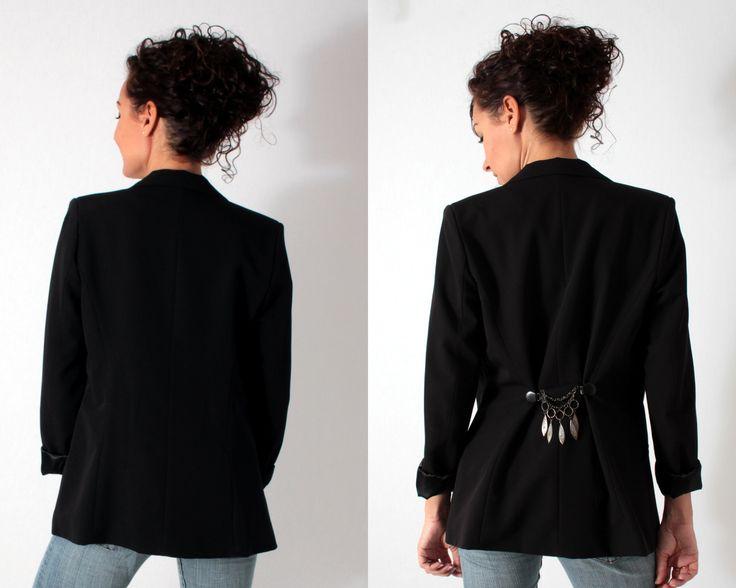 accessoiriser une veste de blazer avec un accessoire. Black Bedroom Furniture Sets. Home Design Ideas