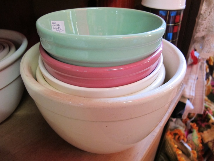 Vintage utilitarian bowls from Australian potteries always lend a grounded feel to the kitchen.