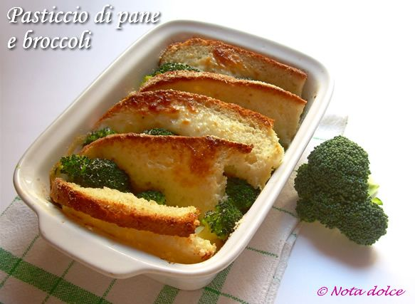 Pasticcio di pane e broccoli con formaggio, ricetta gustosa