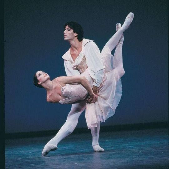 Darcey Bussell and Zoltán Solymosi in Tchaikovsky Pas de Deux (Royal Ballet)