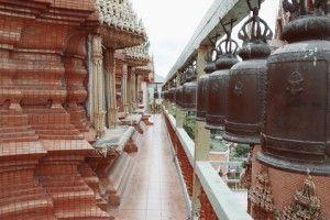 Thailand biedt niet alleen zon, zee en strand, maar ook een overvloed aan cultuur en bezienswaardigheden. Veel toeristen noemen een bezoek aan de Wat Tam Sua tempel een van de hoogtepunten van hun vakantie in Krabi. In de volksmond staat dit meditatiecentrum bekend als de 'Tiger Cave Temple'.