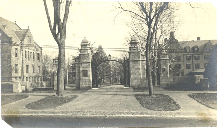 Mount Holyoke Entrance - Vintage Photo - Seven Sisters - South Hadley Massachusetts - College Campus - Collectibles by SunshineVintagePhoto on Etsy https://www.etsy.com/listing/291589937/mount-holyoke-entrance-vintage-photo