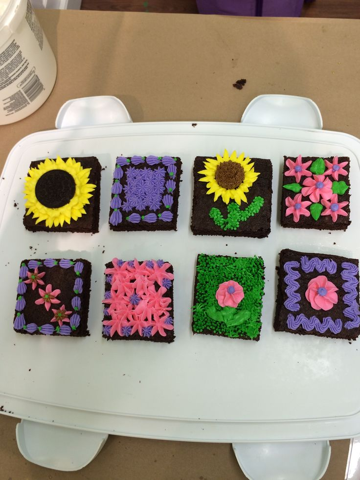 -decorated brownies