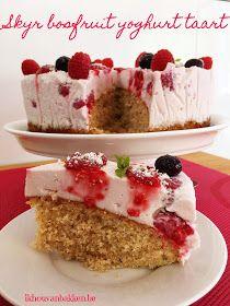 Ik hou van bakken: Skyr bosfruit yoghurt taart met hazelnoten cake bodem