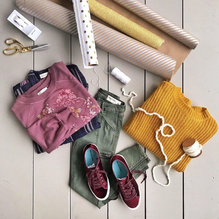"""These pants? - Stitch Fix (@stitchfix) on Instagram: """"That's a wrap! Drop the tape & scissors and head to the link in our bio to print a last-minute gift…"""""""