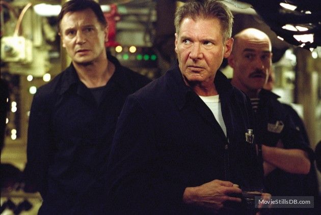 K19 The Widowmaker publicity still of Harrison Ford & Liam Neeson