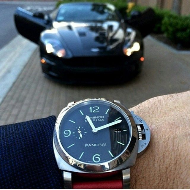Panerai 312 x Aston Martin DBS Ultimate👊 par luxurylifestylle à partir d'Instagram http://ift.tt/1DOm7wt