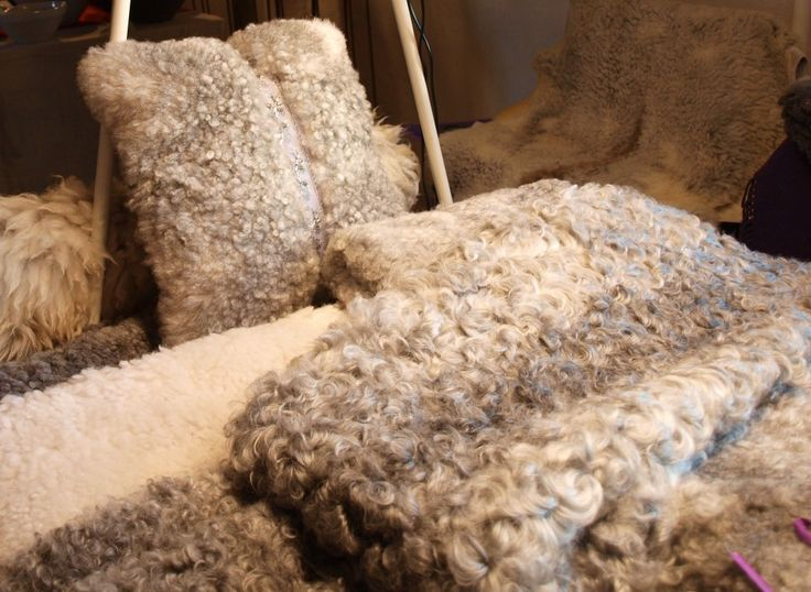 Lammfällar och Kuddar | SMAKLYCKA