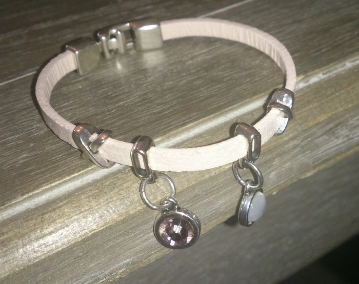 0010 armband